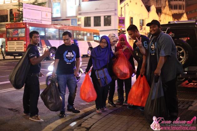 Projek Amal membantu Gelandangan bersama Idea Master dan Hai Blogger