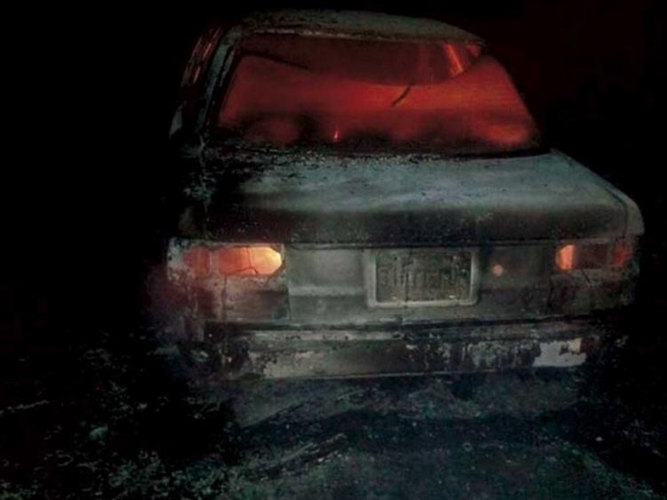 Encuentran calcinada a mujer a bordo de taxi en Hidalgo