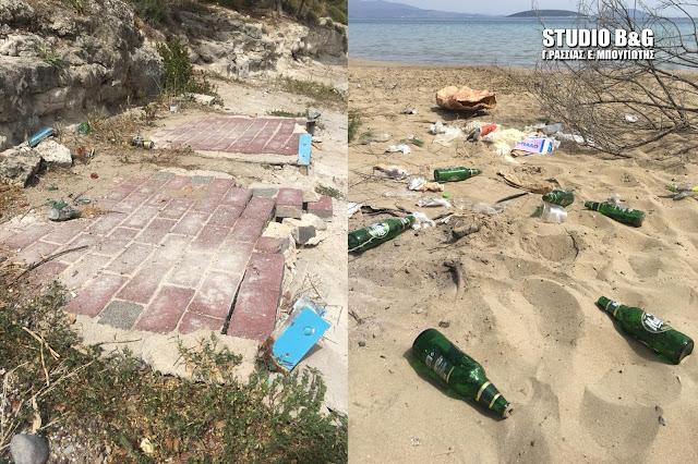 Αργολίδα: Βανδαλισμοί από τουρίστες στην παραλία της Ψιλής Άμμου στο Τολό