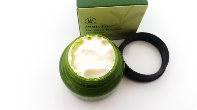 A look at the eye cream inside.