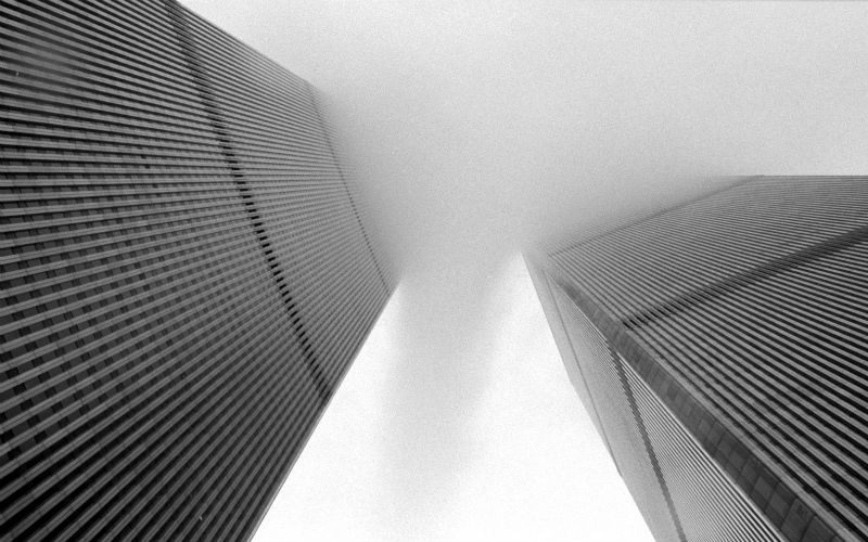 Twin Towers between the mist © Flickr user Beija