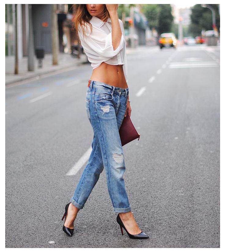 crop top with boyfriend jeans
