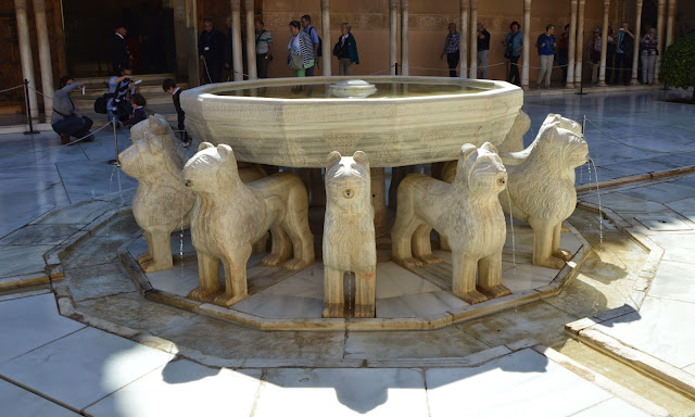 Alhambra fontanna 12 lwów
