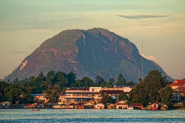 Wisata Bukit Kelam Kalbar