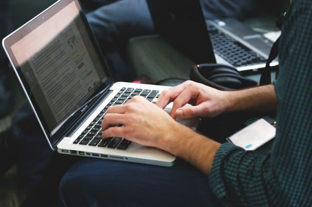 Penulis di web atau blog
