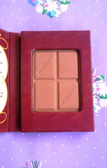 Bourjois Delice de Poudre Chocolate Bronzing Powder Review & Swatches