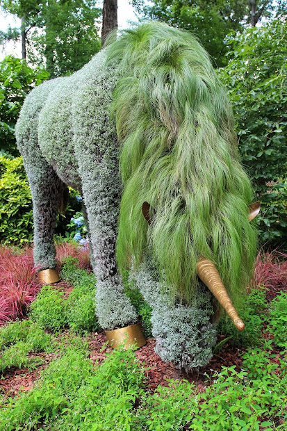Amazing Plant Art Sculptures - Mosaiculture Exhibition