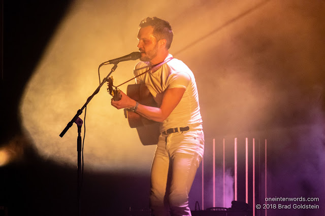 The Tallest Man on Earth at The Queen Elizabeth Theatre on November 15, 2018 Photo by Brad Goldstein for One In Ten Words oneintenwords.com toronto indie alternative live music blog concert photography pictures photos