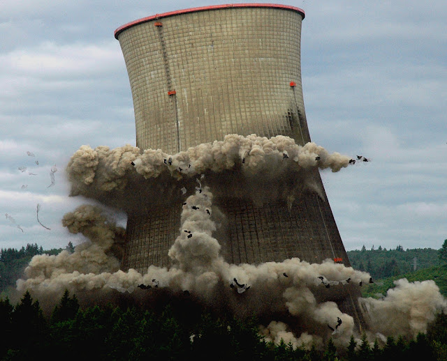 Trojan Nuclear Plant Cooling Tower (Oregon USA)