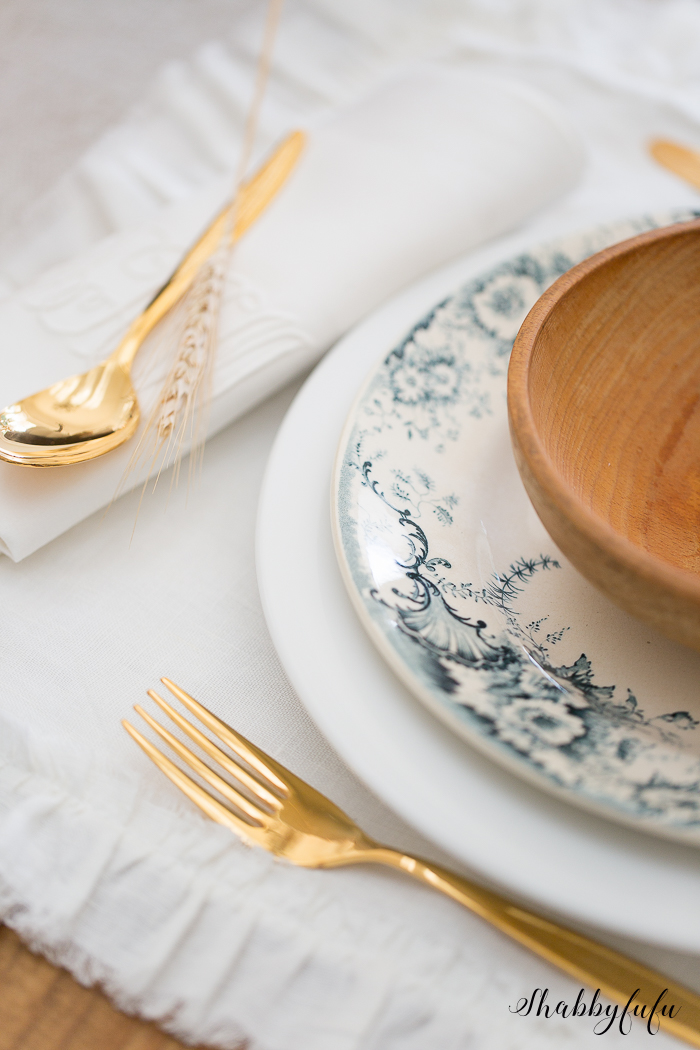 french-dishes-gold-flatware