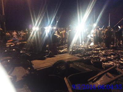 toke bangku dan penjualan ikan di pelabuhan Lampulo