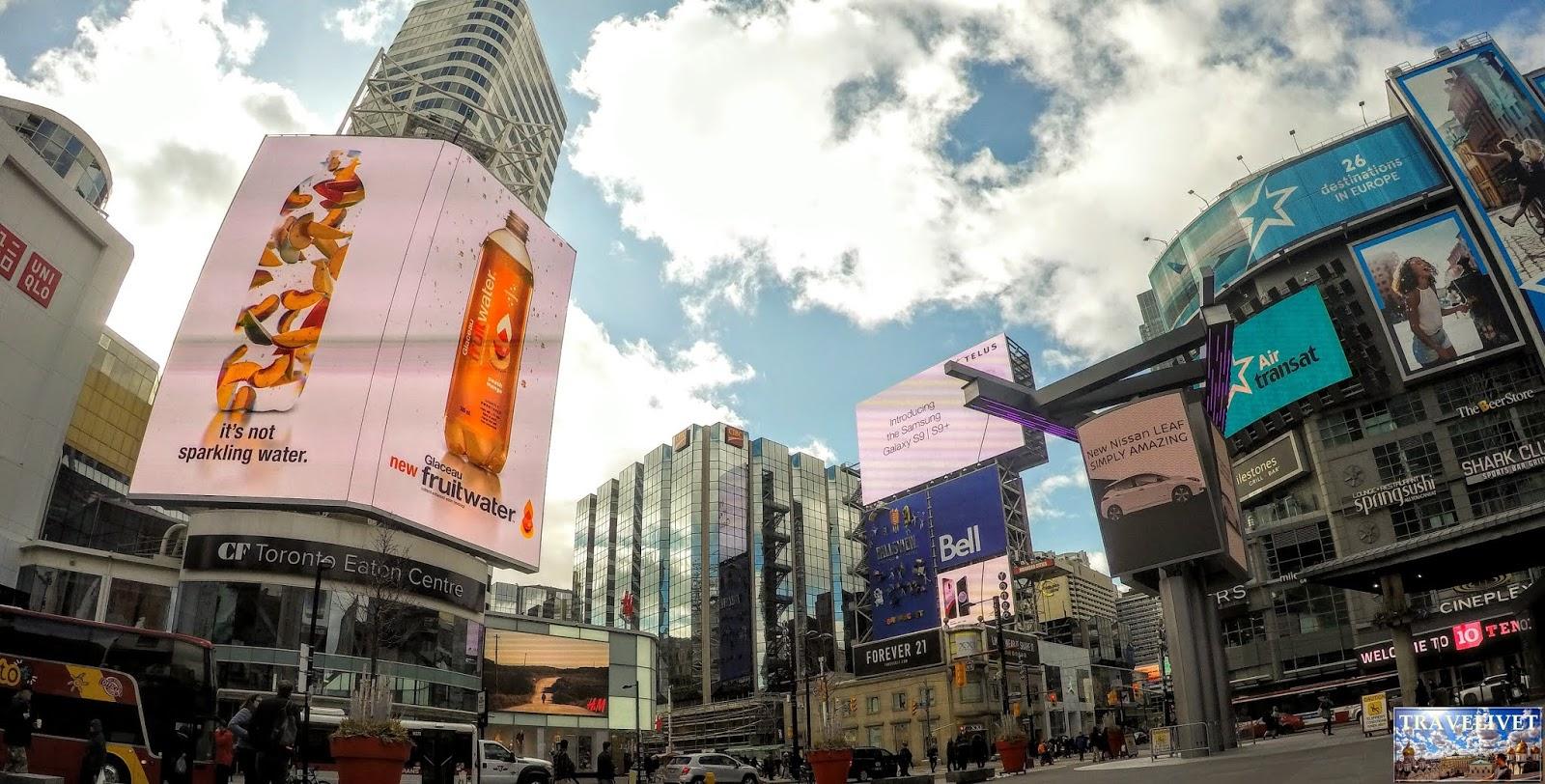 Canada Toronto Yonge-Dundas Square