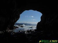 Mar Cantábrico desde el Interior de la Iglesiona del Cabo Vidio