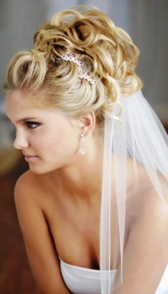 Coiffure mariage cheveux long sur le cote