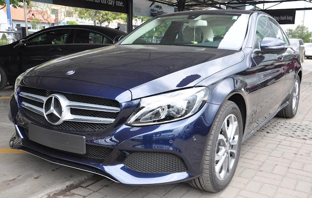 Thiết kế ngoại thất Mercedes C200 trẻ trung nhưng không kém phần sang trọng