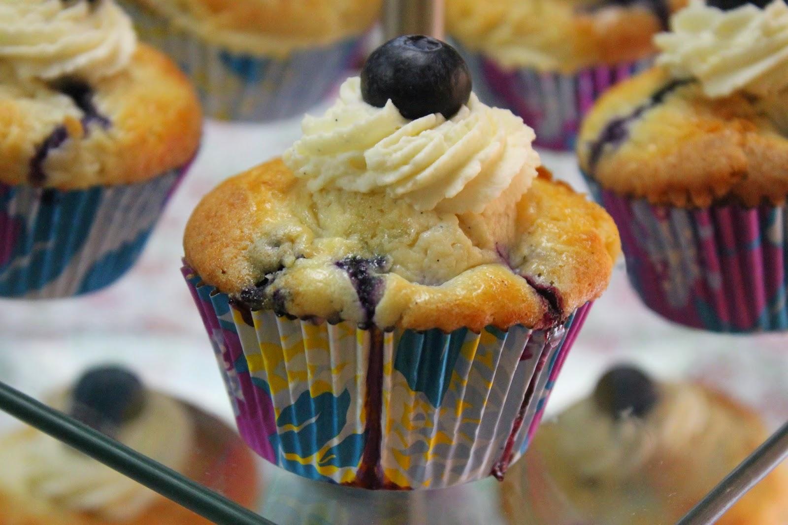 blueberry cupcakes rezept die besten blaubeer muffins jamblog. Black Bedroom Furniture Sets. Home Design Ideas