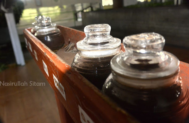 Berbagai jenis teh dan testernya