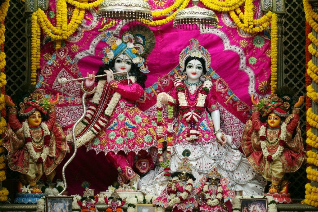 Full View of Sri Sri Radha Vrindavan Chandra