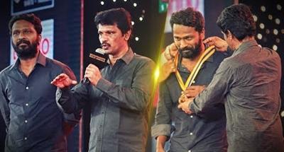 What did Director Cheran do? | RJ Balaji wants to Cry