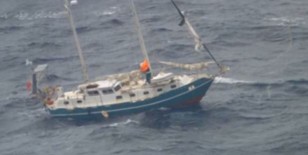 Couple sailing from New Zealand to Australia rescued from broken yacht
