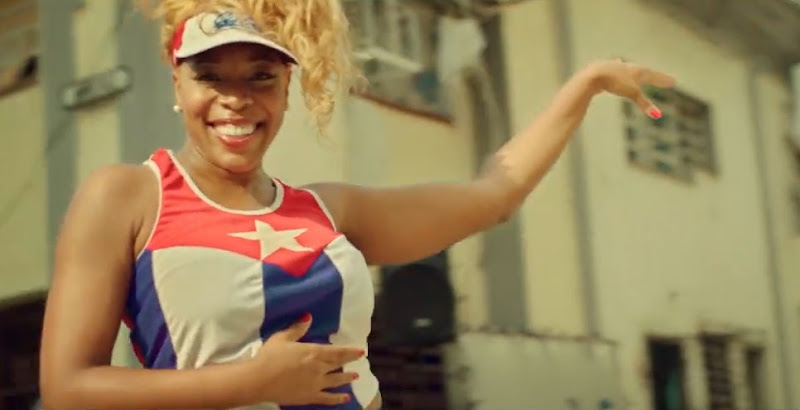 Yanela Brooks - ¨Cubanos por el mundo¨ - Videoclip - Dirección: Alejandro Pérez. Portal Del Vídeo Clip Cubano - 01