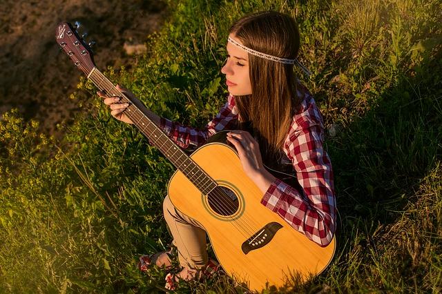 Rekomendasi Harga Gitar Akustik Murah Berkualitas Terbaik Untuk Belajar