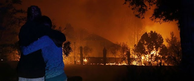 #Disaster : Several dead, thousands flee as #wildfires devastate #California