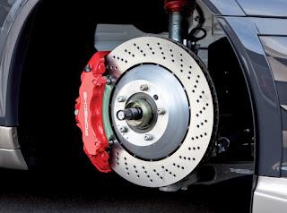 Traiter le bruit des freins de voiture