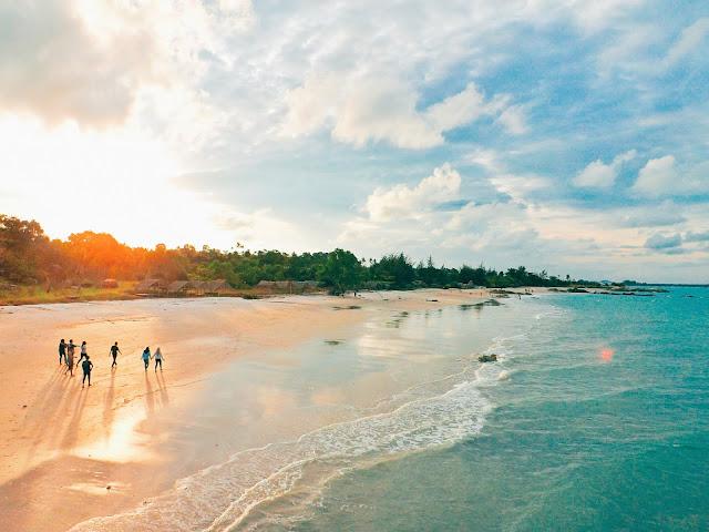 wisata Sunset di pantai rambak pulau bangka