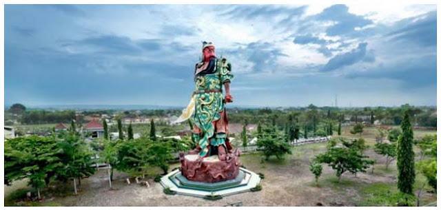 Patung Dewa Perang Cina Berdiri di Tuban, Guru Besar UI: Awas! Bentar Lagi Pangkalan AL Cina!
