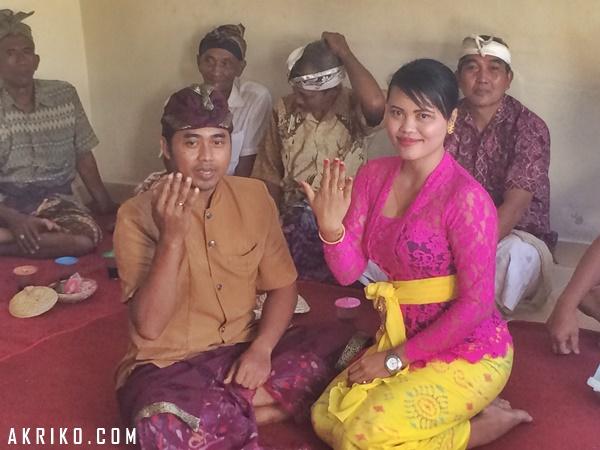 Acara Pernikahan Akrik dan Dwi