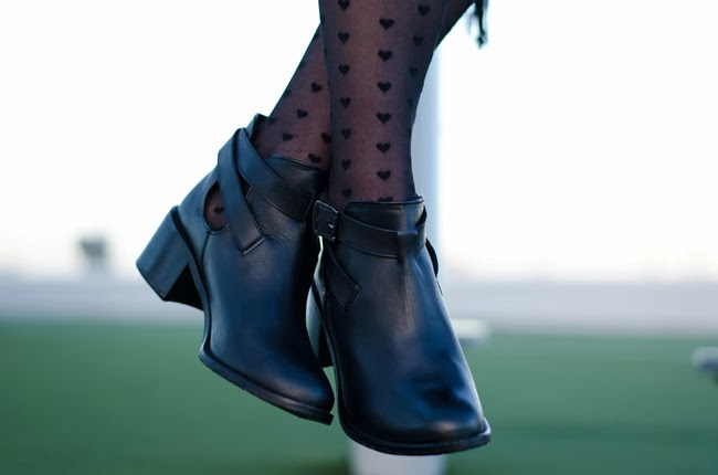 Blonde and Blonde cut out boots