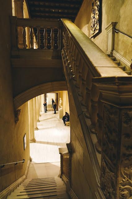 ベレス・ブランコ城の回廊(Patio from the Castle of Vélez Blanco)