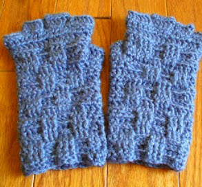 http://translate.googleusercontent.com/translate_c?depth=1&hl=es&rurl=translate.google.es&sl=en&tl=es&u=http://sanitybystitches.blogspot.com.es/2013/11/basket-weave-fingerless-gloves-pattern.html&usg=ALkJrhjCXbD4-WjnA4Ej8kcEnjHZHYRKnw
