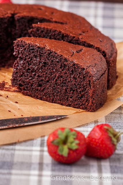 Jak zrobić ciasto czekoladowe bez miksera?