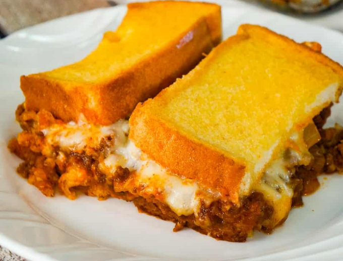 Sloppy Joe Grilled Cheese Casserole #dinner #recipe