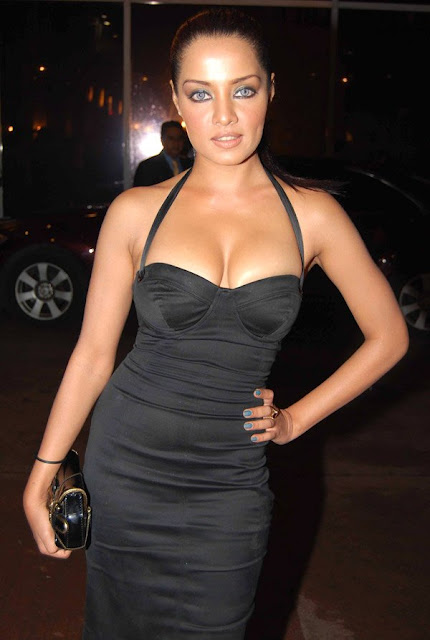 bollywood actresses in black