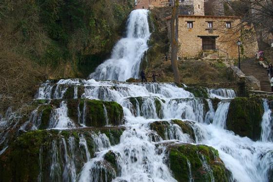 imagen_cascada_orbaneja_burgos_efimerata_agua_paraiso