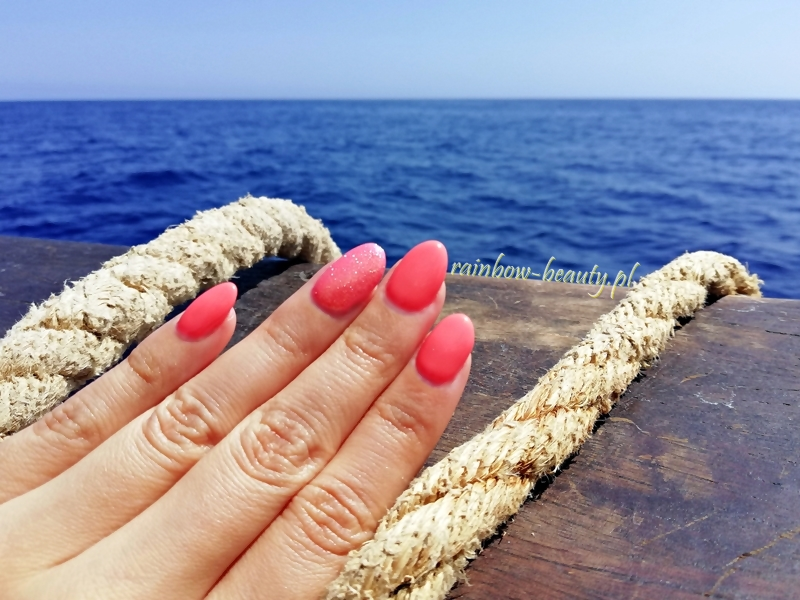 vitamin-c-indigo-nails-manicure