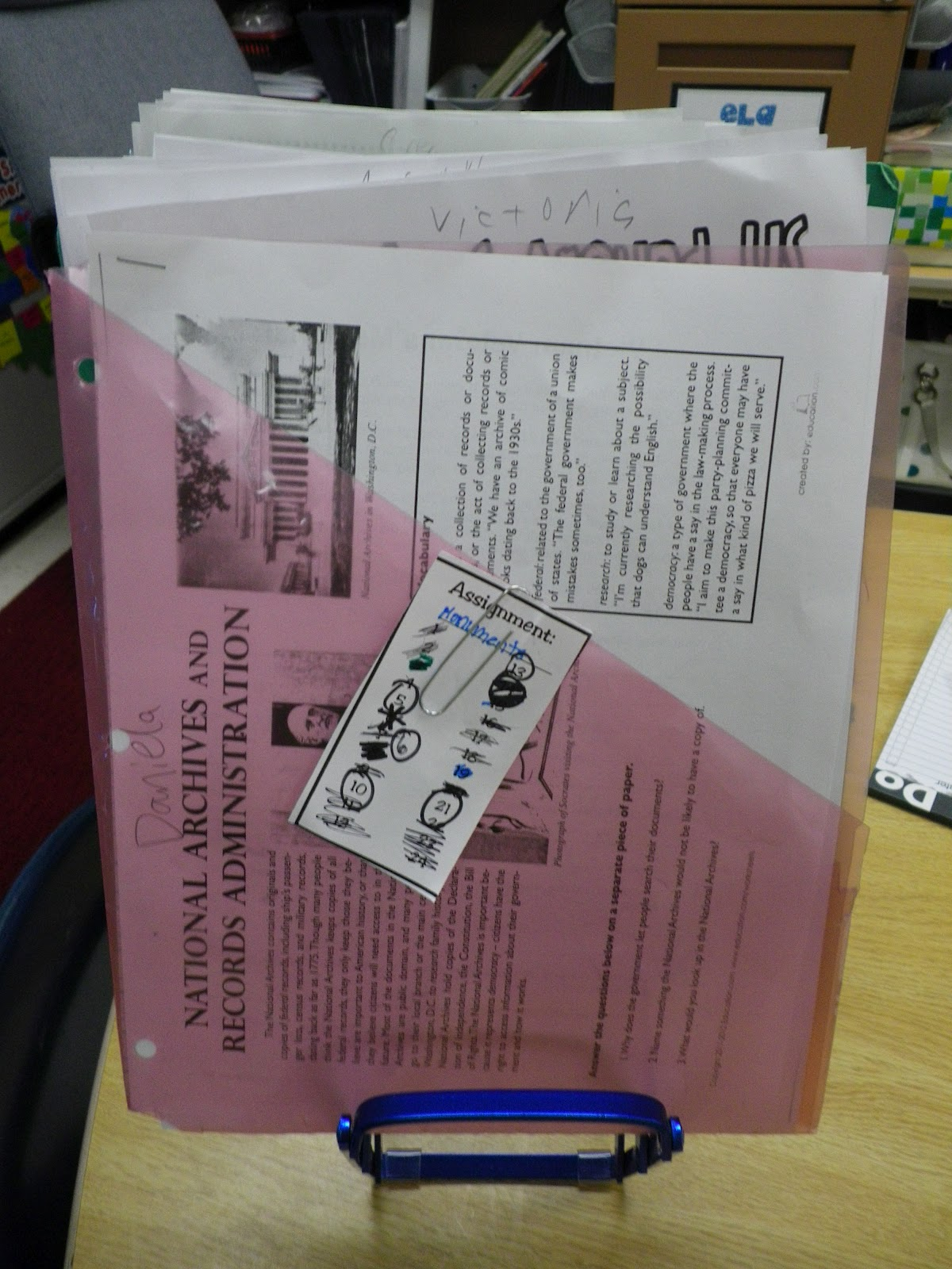 not my desk essays Portfolio essay 11 november 2016  with a portfolio with all my past essays in front of me on my desk, i flipped through it i noticed that my essays were not well.
