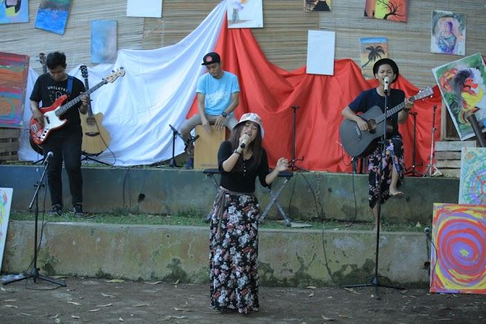 <subtitle> Band Lokal Metro : </subtitle> Simfoni Perjalanan Phyla Project