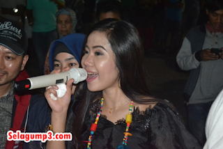 Download Lagu Rayola Full Album Mp3 Minang Terpopuler