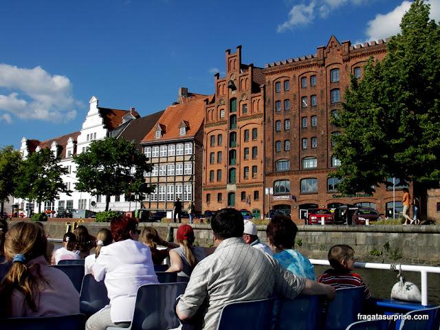 Lübeck, Alemanha, passeio de barco pelo Rio Trave