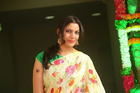 Geetha Madhuri Stills in Saree at Shankarabharanam Film Awards  TollywoodBlog