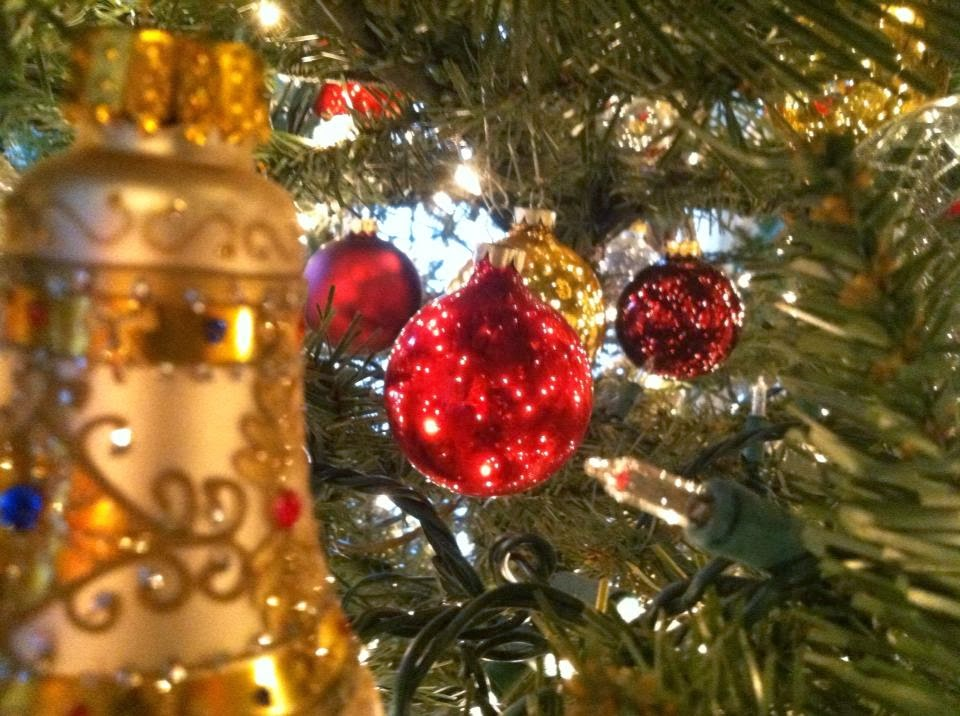 Down With Dairy: Christmas Tree Decorating