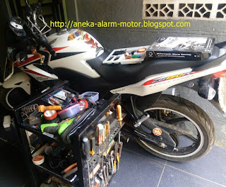 Cara pasang alarm motor pada Honda CB150r old