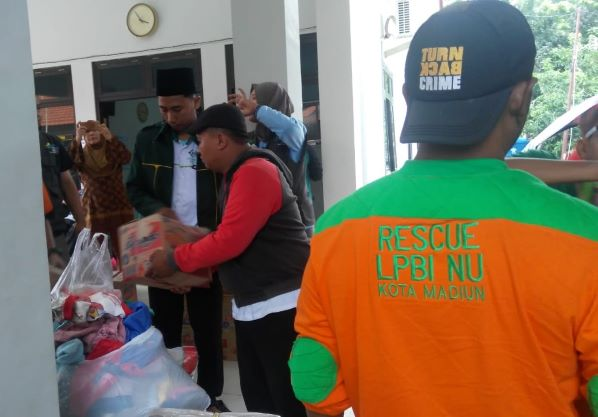 Relawan NU Bertindak Sigap Bantu Warga Terdampak Banjir di Jatim