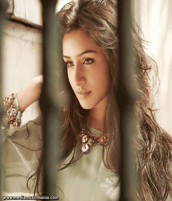 Shraddha Kapoor Beautiful Pictures Wallpapers