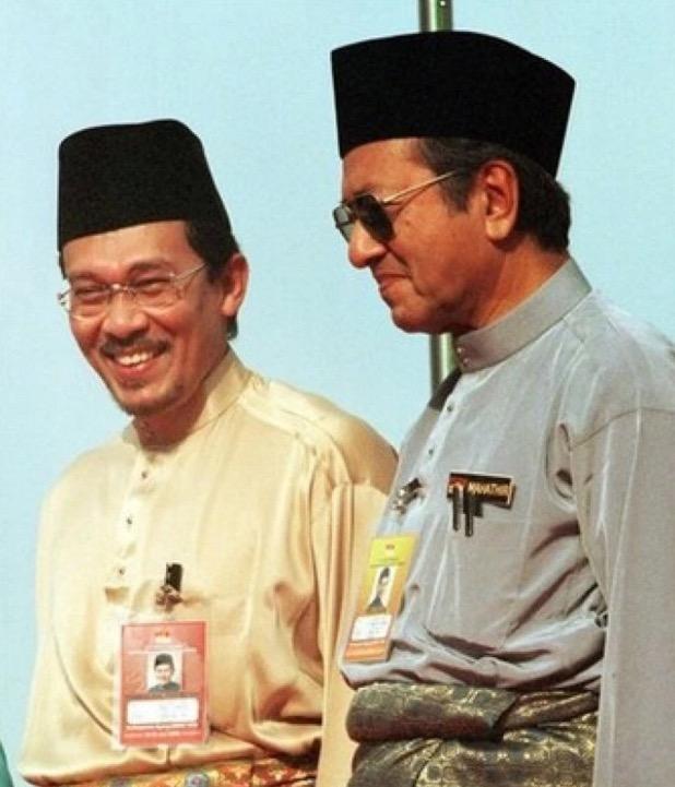 Tun Mahathir Enggan Maafkan 'Dosa Besar' Liwat Anwar