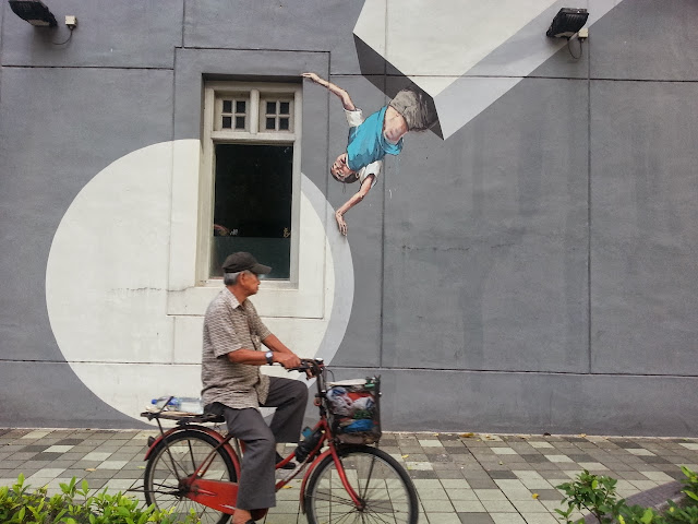 Playful Street Art By Lithuanian Artist Ernest Zacharevic On The Streets of Singapore. 2